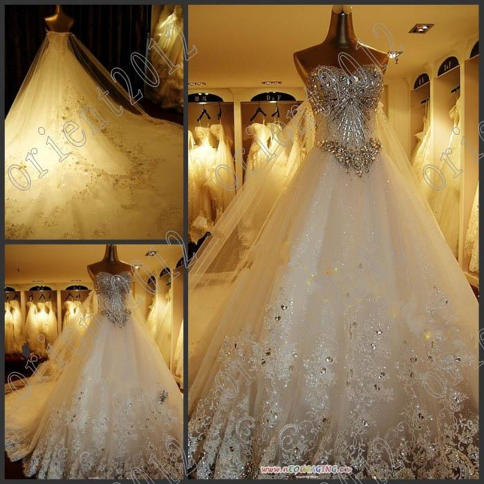 2013 Newest Luxury Bride Dress Sweetheart Swarovski Crystals Applique Bead Cathedral Wedding