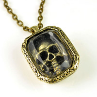 Wholesale vintage Skull in the window pendant necklace NL