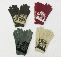 Wholesale Winter Double Warm Rabbit Wool Blend Jacquard Kintting Gloves New Design Fashion Snowflak Gloves