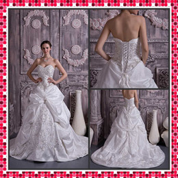 Wholesale 2012 Best Selling A line Wedding Dress Sweetheart Castle Court Train Embroidery Bridal Dresses