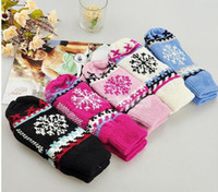 Wholesale Cute Mittens Warm Girl Gloves Classic Snow Pattern Christmas Kintted gloves Best Gifts pairs