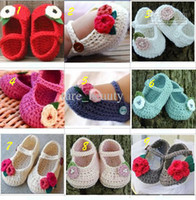 Wholesale Comfortable Crochet baby shoes infant girl flower leaves M cotton yarn custom pairs