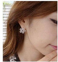 Wholesale YBB Japan and South Korea fashion jewelry fresh temperament Ladies Diamond Cut Flower