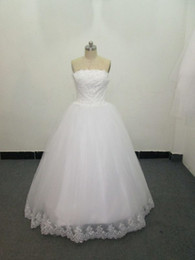 Wholesale Fall Elegant Strapless Full length Ball Gown Garden Wedding Dress Bridal Gown White Lace Tulle