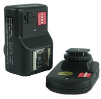 Wholesale PT gy channels Wireless Radio Flash Trigger with Receivers for canon nikon Yongnuo wansen