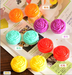 Wholesale MOQ Contact Lens Case Set Cute Design Soaking Box colors
