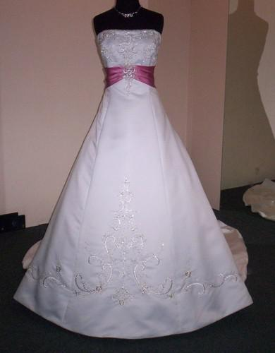 Discount Nwt Forever Yours White Rose Pink Satin Wedding
