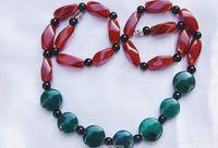 Collar de ágata natural, 16 de múltiples facetas ágata ónix 7 verde ($) + una combinación de perlas negras.