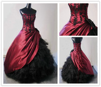 Wholesale Unique Black and Burgundy Gothic Wedding Dresses Ball Gown Strapless Beaded Taffeta Tulle Feather like Corset Wedding Dress Wedding Gowns