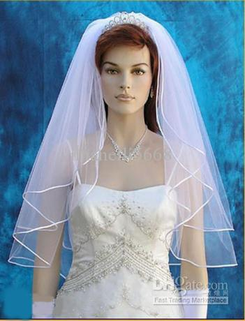 Wedding Tiaras With Veils