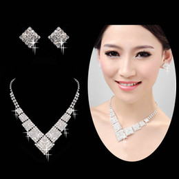 Wholesale Sleekly streamlined Diamond Cheap Wedding Necklace In Stock And Hot Sale Bridal Earrings