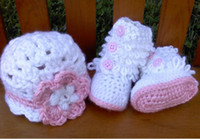 (3-4M) 10 yards Crochet Shoes Boy Crochet baby snow boots+hat sets.Girl Christmas red suit cotton yarn ugg boots hat production 1set