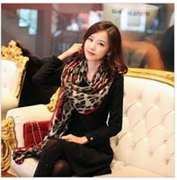 Wholesale Fashion Long Soft Wrap Scarf Red Border Leopard Print Cotton Scarf Hot Shawl