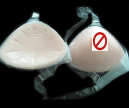 Wholesale Strap on Man made Breast for Mastectomy Lumpectomy Hypogenesis Patient Cross dress Triangle Silicone Breast Form for cosplay men