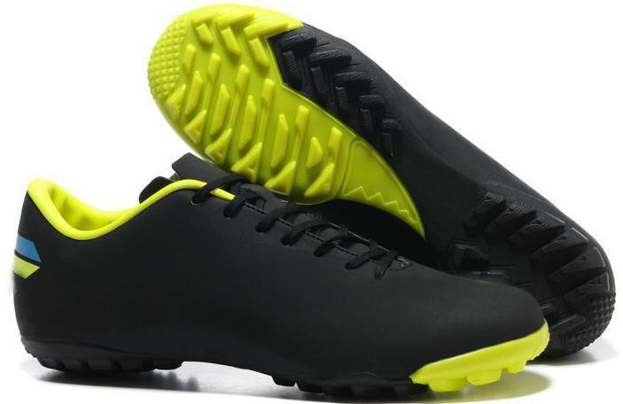 Men's Puma Universal TT 102699 02 black five-a-side football shoes