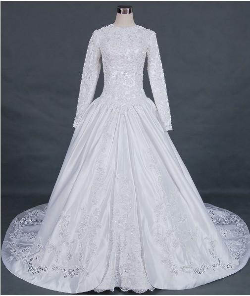 Discount ball gown long sleeve royal length train poet for Wedding dresses with royal length train
