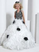 Satin black and white flower girl dresses - Elegant Princess Flower girl Dress Halter V neck Black And White Flower Luxury Handmade Girls Pageant Gowns FLG023