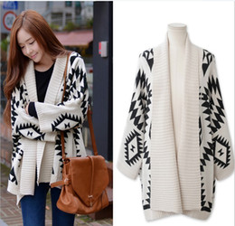 Autumn&Winter hot selling ladys sweater geometry shape cardigan  women's sweater