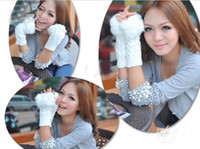 Wholesale 2012 New Fashion hot sale super lovely woman fluffy gloves colors