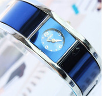 Wholesale New Bracelet Watch Ladies Simple Casual Style Shiny QUARTZ