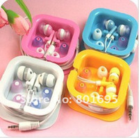 Wholesale brand new eaphone earphones for mp3 mp4 mobile phones with gift package