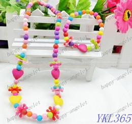 Promotion colliers de perles bijoux pour enfants Ensembles collier en forme de coeur perles acrylique main Babiole + bracelet pour 60pcs fille