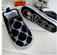 Wholesale Small black skull toddlers baby shoes baby shoe Soft bottom non slip shoes pair mix w01