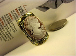 Wholesale Hot Sale Womens Cameo Victoria Queen Goddess Rings Antique Turquoise Ring For Mens Jewelry