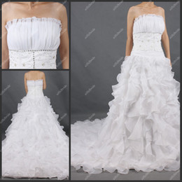 Wholesale ST003 Wedding Gowns White Strapless Ruffles Beaded Waterfull Chapel Train Backless Fashion Dresses