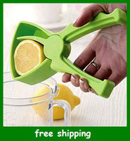 Wholesale Portable mini Juice Lemon Extractor squeezer fruit Juicer Lazy Kitchen tool gifts fast