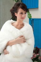 Wholesale Designer Warm White One Piece Fur Bridal Wrap Cape Shawl Jackets for Wedding Dresses