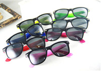 Wholesale Hot Sale New Fashion Women and Mens Sunglasses Mixed Colors Traveller Sunglasses Cheap