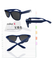 Wholesale quality cheap sunglasses for men and women fashion sunglasses UV meters nail sunglasses modern fashion sunglasses beach su