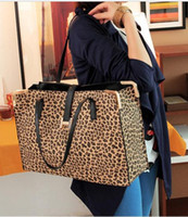 Wholesale Qiu dong new H button leopard grain shoulder bag handbag Europe and the United States big tide