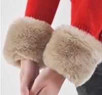 Wholesale 50pcs Elegant gloves Clothing gloves for women Artificial Rabbit fur gloves Cuff color