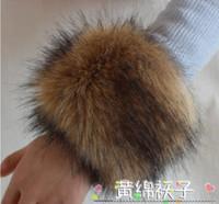 Wholesale Elegant women fluffy faux fur cuff wrist hand warmers furry coat wristband