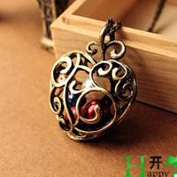 Wholesale Heat Necklace vintage hollow Carved pearl Heart pendant necklaces charm gift cheap Fashion Jewelry