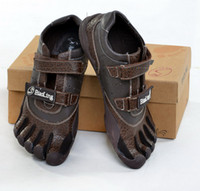 Wholesale Men s Genuine leather Toe shoes Brown Sports Shoes FIVE FINGERS