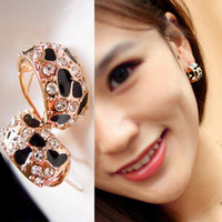 Wholesale Western Style Beautiful Shiny Diamond Leopard print Ear Nails Earrings
