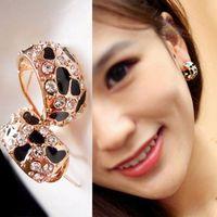 Wholesale Western Style Beautiful Shiny Diamond Leopard print Ear Nails Earrings