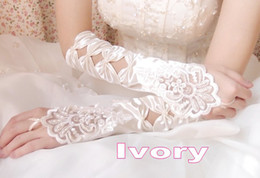 Wholesale Hollow Pearls Full Length Fingerless Bridal Gloves WG008