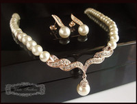 Wholesale Gold Plated Tear Drop Cream Pearl and Rhinestone Crystal Bridal Necklace and earrings Jewelry Set