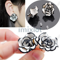 Wholesale NEWEST Cute Fashion Women s Black White Resin Rose Flower Ear Studs Earrings pairs E315