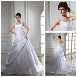 Wholesale Selling Gowns Online - Hot Sale 2015 New Style Applique Beaded White Satin Wedding Dress Real Photos Online Selling