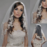 Two-Layer Elbow Length Lace Applique Edge Vintage White Ivory Short Tulle Wedding Bridal Veil Elbow Length Two Layer Beaded Lace Appliques