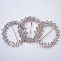 Wholesale M0182 mm inner bar silver flower cluster round chair sash buckle made of czech stone customized