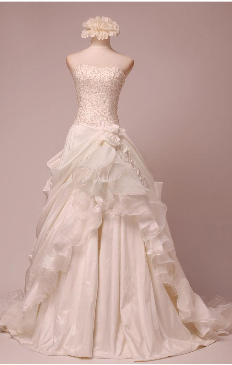 Pictures of vintage gothic wedding dresses strapless ball for Vintage gothic wedding dresses