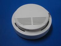 inalámbricos alarma detector de humo / <b>sensor</b> se puede conectar con el sistema de alarma GSM (envío gratuito) S159