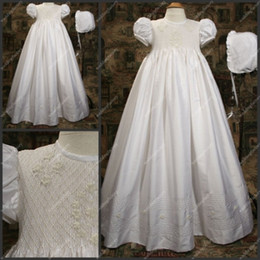 Wholesale Scoop Neck Taffeta Floor Length Christening Gowns A Line Short Sleeve Appliqued Christening Dresses