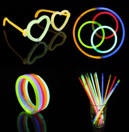 Wholesale Hot Sale Christmas Celebration Festivities Ceremony Fluorescent Bracelets Night Glow Sticks LED Toys